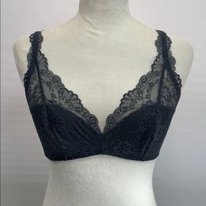 Gilly Hicks Bra Large No Wire/Pads Lace NWT